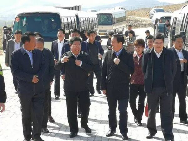 Shandong provincial development and Reform Commission to Huashan agriculture and forestry Mu Mu hazel demonstration base to observe and guide